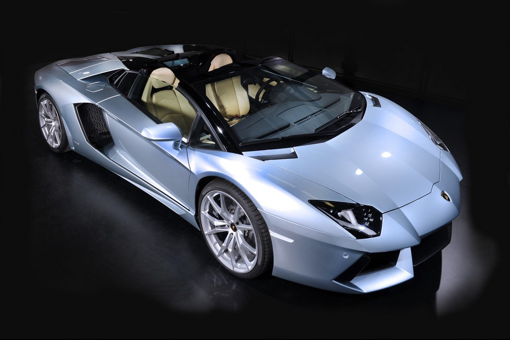 Azur Luxury Rent - Lamborghini Aventador Roadster
